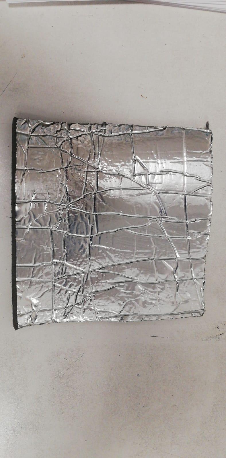 Polietilene CE adesivizzato in rotoli H=1500 mm B-S2-D0 spessore 15 mm con finitura esterna in alluminio formato rotolo 34 mq